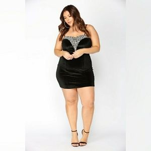 Plus Size Velvet Dress - Black